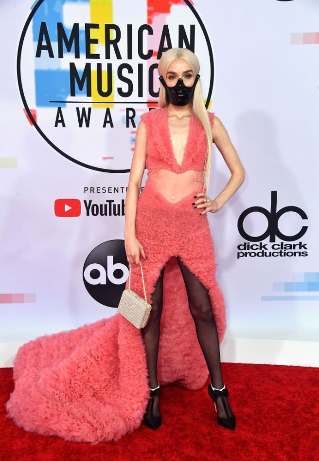 poppy-attends-the-2018-american-music-awards-at-microsoft-news-photo-1048355096-1539124040